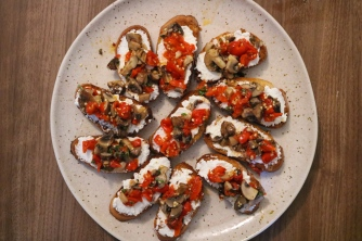 Bruschetta roasted red pepper 1