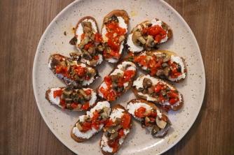 Bruschetta roasted red pepper 1